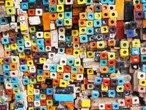 Bunt vom Block deckt Muster mit Ziegeln Stockfoto