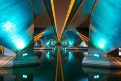 Bunt vom Licht unter Brücke Lizenzfreie Stockbilder
