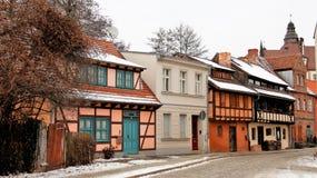 Bunt von den alten Häusern im Winter Stockbild