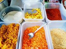 Bunt von den Bestandteilen, sind sie Bestandteile für das Kochen padthai der thailändischen Lebensmittelart Stockbild