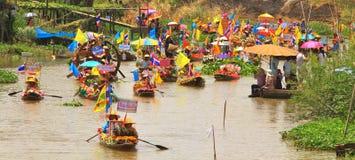 Bunt von den Booten in geliehenem Kerzenfestivalparadies Stockfotografie