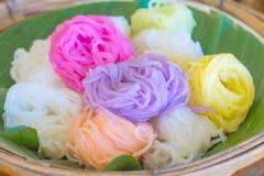 Bunt von den thailändischen Suppennudeln Stockbild