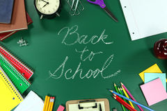 Bunt zurück zu Schulbedarf Lizenzfreies Stockfoto
