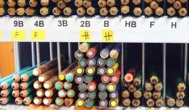 Buntar av blyertspennor i lager Royaltyfri Bild