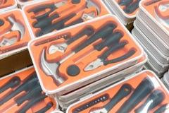 Buntar av det genomskinliga plast- toolboxfallet Arkivbild
