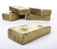 Buntar av fasta guld- stänger Royaltyfria Bilder
