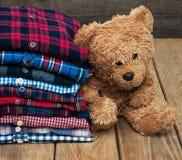 Buntar av rutiga skjortor Royaltyfri Foto