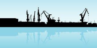 Buntar av timmer på skeppsdockorna och högarna av sand royaltyfri illustrationer