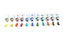 Bunte Acrylfarben in den Rohren lokalisiert auf einem Weiß Stockbild