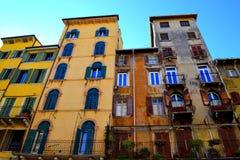Bunte alte Häuser Verona Italy Stockbild