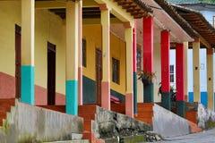 Bunte Architektur in Vilcabamba Ecuador Lizenzfreie Stockfotografie