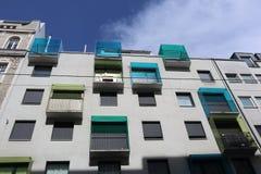 Bunte Balkone Lizenzfreie Stockbilder