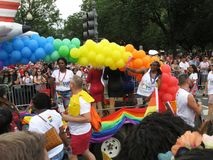 Bunte Ballone bei Haupt-Pride Parade im Washington DC lizenzfreies stockbild