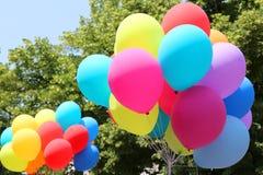 bunte Ballone für die Partei Stockbilder