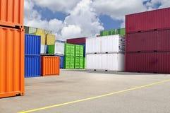 Bunte Behälter für Transport Lizenzfreies Stockbild
