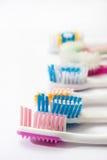 Bunte benutzte Zahnbürsten Stockbild