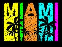 Bunte Beschriftung Miamis mit schwarzen Palmen Reisepostkarte vektor abbildung