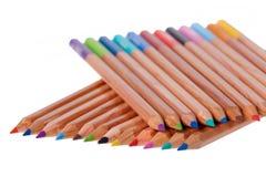 Bunte Bleistiftanordnung lizenzfreie stockfotos