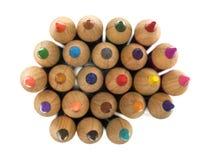 Bunte Bleistifte auf einem weißen Hintergrund Stockfotografie