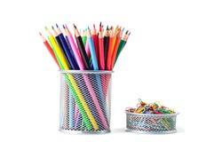 Bunte Bleistifte im Halter Lizenzfreies Stockfoto