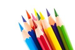 Bunte Bleistifte lokalisiert auf einem weißen Hintergrund Lizenzfreie Stockbilder