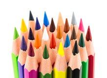 Bunte Bleistifte lokalisiert auf einem weißen Hintergrund Stockbilder