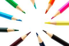 Bunte Bleistifte oben lokalisiert auf weißem Hintergrundabschluß mit freiem Raum für Ihren Text Stockfotos