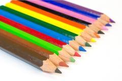 Bunte Bleistifte vereinbart in einer Linie Lizenzfreies Stockfoto