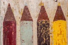 Bunte Bleistiftfarbe auf der Wand Lizenzfreie Stockbilder