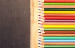 Bunte Bleistiftgrenze Lizenzfreie Stockfotografie