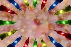 Bunte Blinklichter auf De fokussierten Kreishintergrund mit Kopienraum Stockfoto