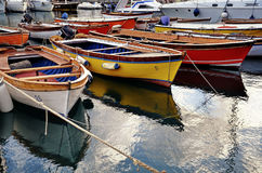 Bunte Boote Lizenzfreies Stockbild