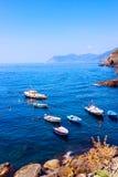 Bunte Boote in Riomaggiore Lizenzfreies Stockbild