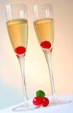 Bunte Champagne-Cocktails Stockbilder