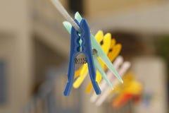 Bunte Clothespins Lizenzfreies Stockfoto