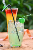 Bunte Cocktails stockfoto