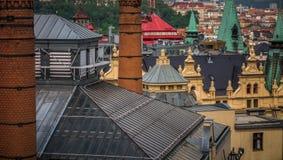 Bunte Dächer in im Stadtzentrum gelegenem Prag Lizenzfreies Stockbild
