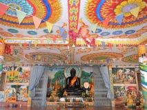 Bunte Decke mit schwarzem Buddha bei Wat Phra See Mee Chai , Vang Viang, Laos Lizenzfreie Stockfotos
