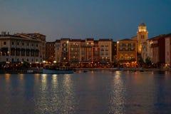 Bunte dockside Geb?ude auf Sonnenunterganghintergrund in Portofino-Hotel an Universal Studios-Bereich 4 stockbilder