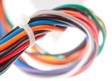 Bunte elektrische Seilzüge Stockfoto