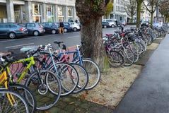 Bunte Fahrräder Lizenzfreie Stockbilder