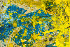 Bunte Farbentropfen auf dem Boden Stockbilder