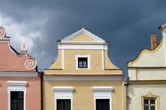 Bunte Fassade von Häusern in Trebon lizenzfreie stockbilder