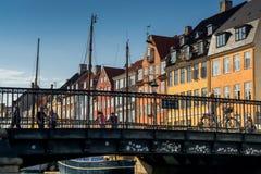 Bunte Fassaden entlang Nyhavn lizenzfreies stockbild