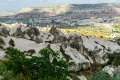 Bunte Felsformationen in Cappadocia Stockfotografie