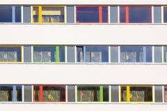 Bunte Fenster Lizenzfreie Stockfotografie
