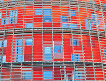 Bunte Fenster des Bürogebäudes Stockbild