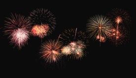 Bunte Feuerwerksexplosion auf Hintergrund stockfotografie