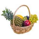 Bunte Früchte im Korb Lizenzfreies Stockbild