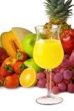 Bunte Frucht und Saft Stockbild